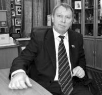 Актер-директор-политик, или Константа равновесия / Владимир Уваров (Владикавказ)